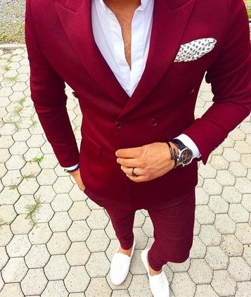 Fall Winter 2017, Fall Winter 2017 Suit, Fall Winter 2017 Suit Colors, Men's guide to fall winter 2017, Fall Winter Suit, Maroon suit, Tawny Port Suit, Maroon Suit, What to wear with a maroon suit